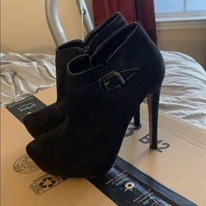 Aldo Black Suede Heeled Booties Size 8.5